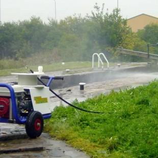 Petrol Powerwasher 2000 Image 1