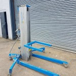 genis-sla-25-material-lift-for-hire